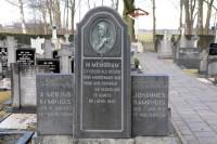Bp04242-Vriezenveen-Rk-begraafplaats-traces-of-war.jpg