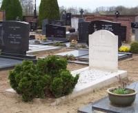 Bp11162-Meerlo-Rk-begraafplaats-Hoofdstraat-Traces-of-War.jpg