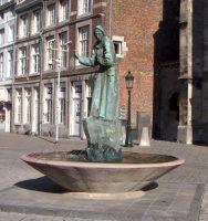 Sint_Antoniusfontein_Jean_Huysmans_Charles_Eyck_Boschstraat_Maastricht.jpg
