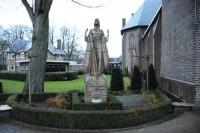 Bp04228-Geesteren-RK-kerk-oorlogpsmonument.jpg