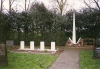 bp02367-Koudum-algemene-begraafplaats-traces-of-war-kerkhoflaan.jpg