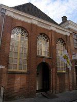 800px-Front.SynagogeBergenOpZoom.jpg