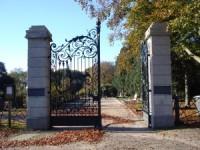 bp04037a-Usselo-Hoofdingang-Nederlands-Hervormde-Begraafplaats2.jpg