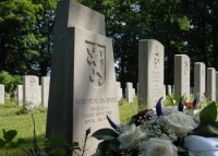 Bp07294-Den-Burg-Texel-Algemene-Begraafplaats-Slowaakse-Soldaten-traces-of-war-Kogerstraat.jpg