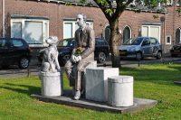 1280px-Familieportret_Joods_Monument_PrinsBernhardlaan_Woerden_part1.jpg