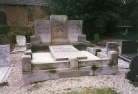 Bp05198-Heukelem-Algemene-begraafplaats-traces-of-war1.jpg