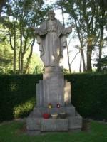 Bp04092-Haaksbergen-Rk-begraafplaats-monument-.jpg