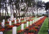 Bp02023-Nes-Ameland-algemene-begraafplaats-kardinaal-de-jongweg-traces-of-war.jpg