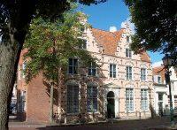 1280px-Diakoniehuis Hoorn,_Achterom_3.jpg