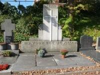 Bp11289-Schinnen-RK-begraafplaats-Achter-de-Kerk-traces-of-war.jpg
