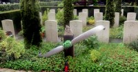 Bp04095-Oude-Algemene-begraafplaats-traces-of-war.jpg