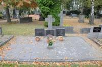 Bp11020Tegelen-Gemeentelijke-Begraafplaats-Kerkhoflaan-traces-of-war.jpg