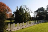 Bp04179-Raalte-Algemene-Begraafplaats-Westdorplaan-traces-of-war.jpg