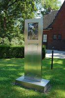 800px-Woerden_monument_tweede_wereldoorlog_2.jpg