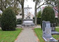 Bp07285-Grootebroek-Rk-begraafplaats-Traces-of-war-Zesstedenweg-.jpg