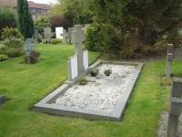 Bp10267-Raamsdonkveer-RK-begraafplaats-traces-of-war.jpg