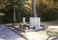 Bp07121-Schoorl-Algemene-begraafplaats-Molenweg-Traces-of-War.jpg