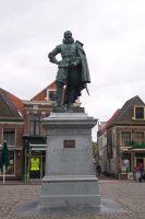 Jan_Pieterszoon_Coen_statue.jpg