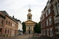 Bp10463-Steenbergen-Kerkplein-Nederlands_Hervormde_kerk_-Witte_kerk-.jpg