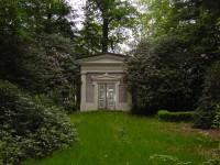 Bp04006Almelo-Mausoleum-graaf-van-rechteren-limpurg-.jpg