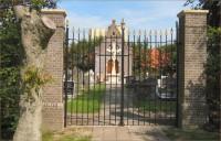 Bp04223-Vollenhove-Rk-begraafplaats-toegangshek.jpg