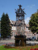 800px-Bergen_op_zoom_kunstwerk_fontein.jpg