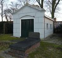 Bp07309-IJmuiden-begrafenishuisje-Westerbegraafplaats.jpg