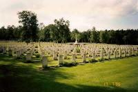 Bp04183-Holten-Canadese-begraafplaats-eekhoornweg-.jpg